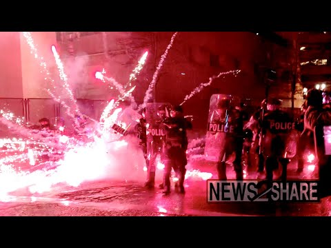 Portland Antifa face off with police on NYE, declared riot